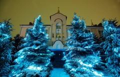 Зимовий вхід до  монастиря