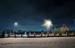 Зимовий пейзаж монастиря і пам`ятника св. Франциска