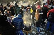 Був і чай з ромом і мороз з народом....