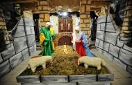 Марія і Йосиф при Ньому