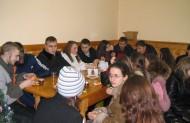 Почастунок та бесіда в монастирській їдальні