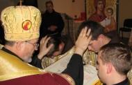 Свячення уділяються через накладання рук і молитву